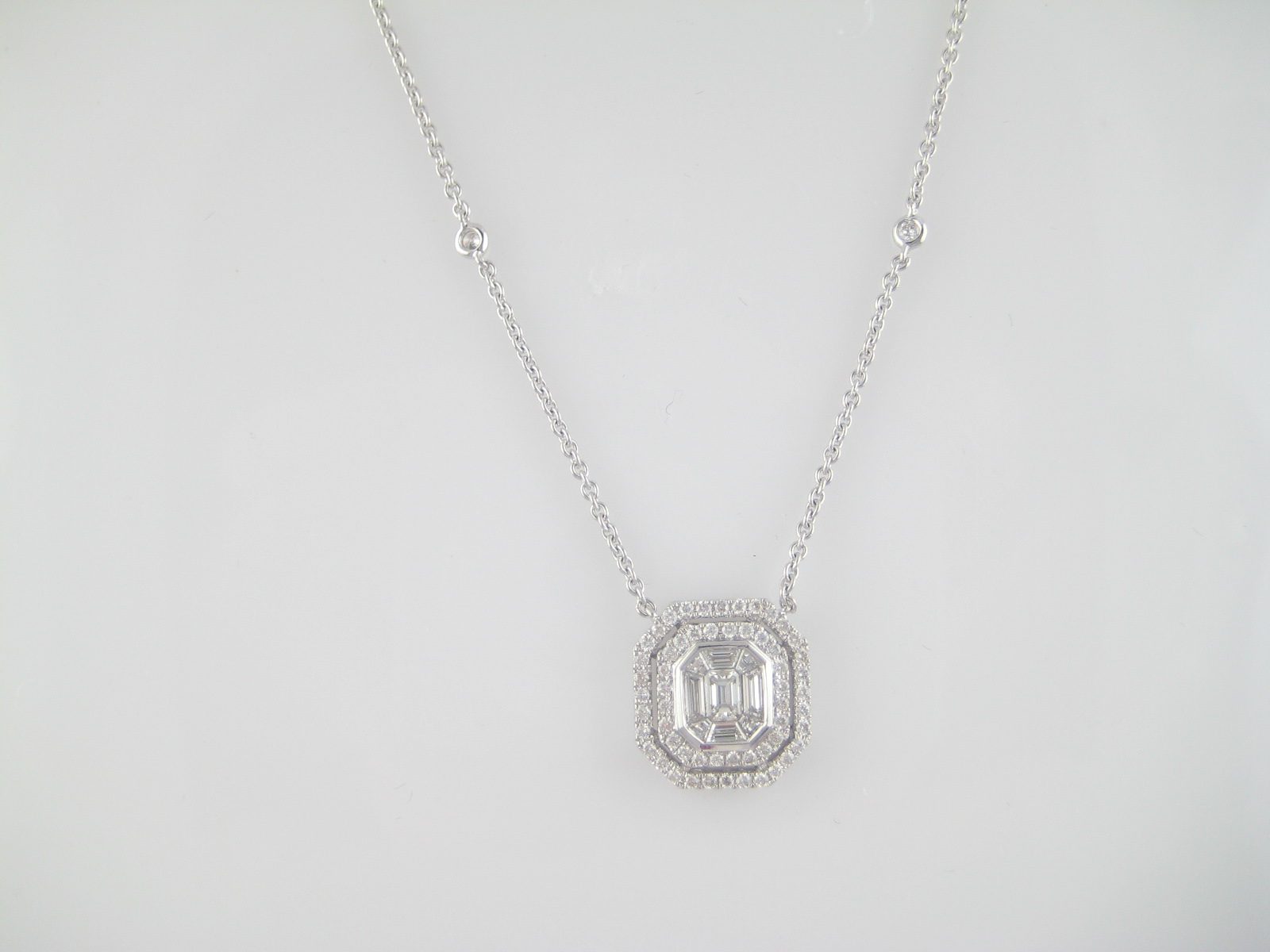 18K Ladies Diamond Pendant