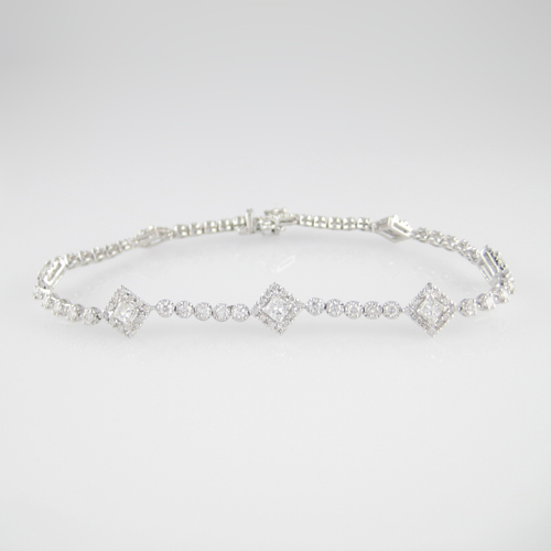 18K Ladies Diamond Bracelet
